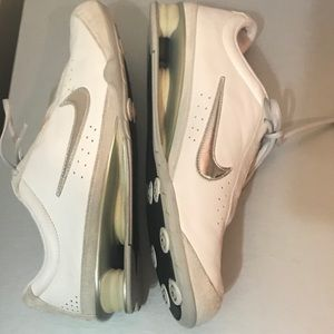 Nike leather/suede sneakers/gym shoes